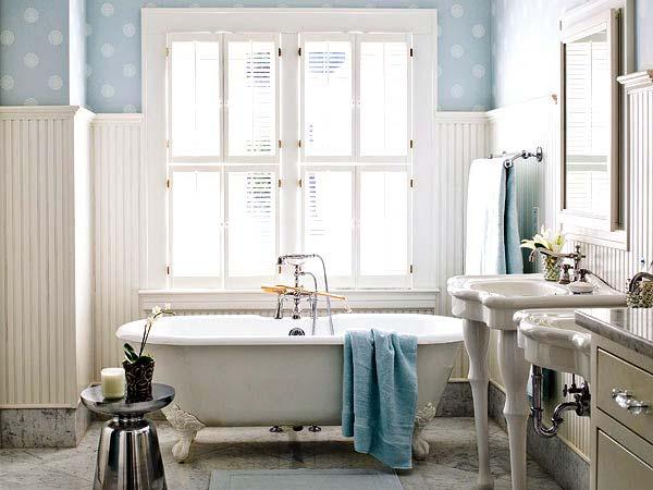 красивая ванна на лапах