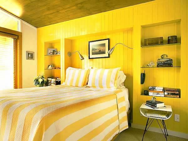 солнечная желтая спальня