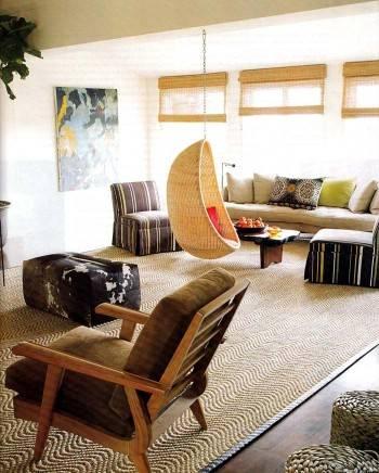 подвесное кресло из ротанга или лозы