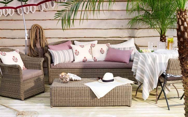 Плетеная мебель для балконов и террас.