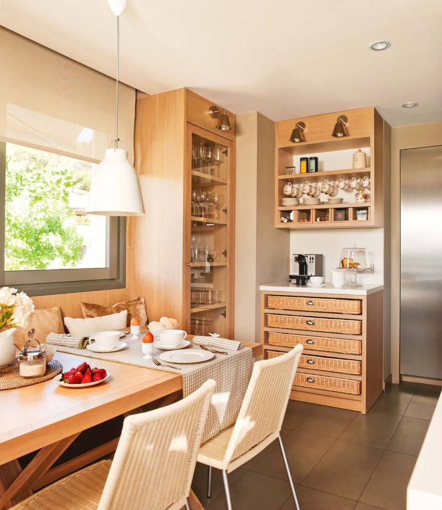 интерьер кухни, деревянная кухня