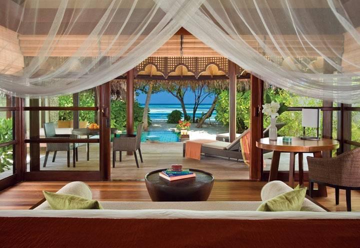 спальния с видом на море