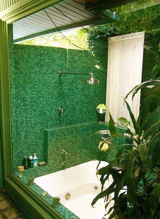 зеленый интерьер ванной комнаты фото