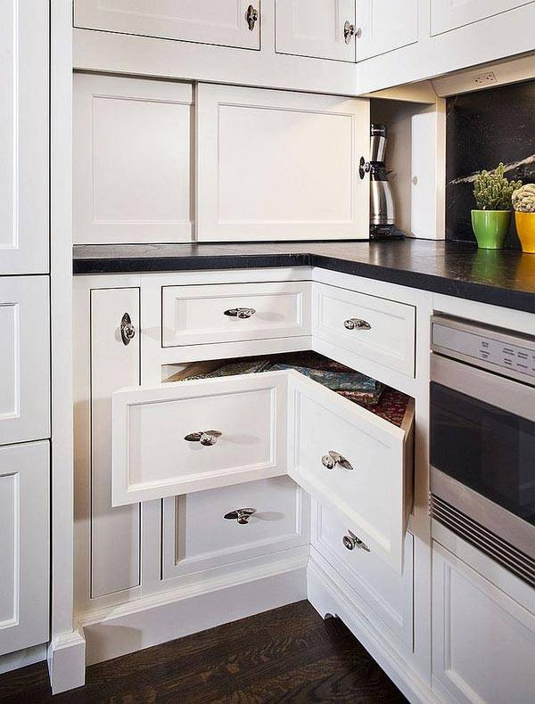 кухня с угловыми ящиками