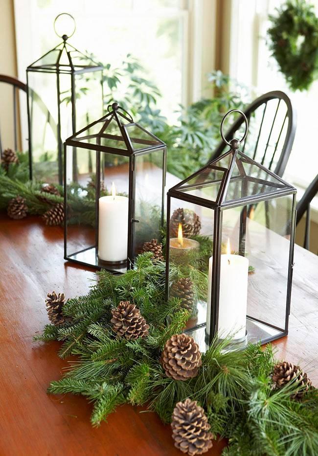 свечи и шишки в новогоднем декоре фото