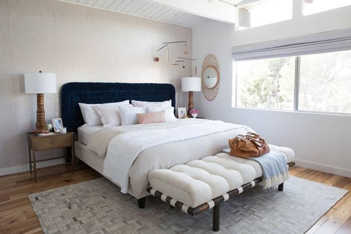 дизайн спальни от Emily Henderson