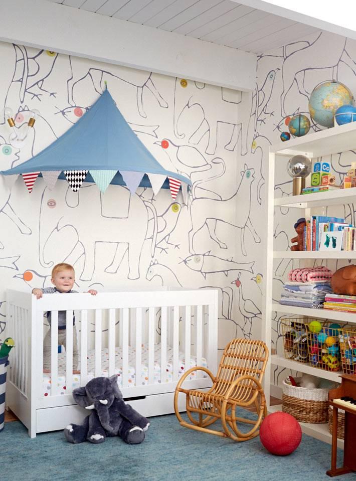 интерьер детской комнаты в работе дизайнера Emily Henderson