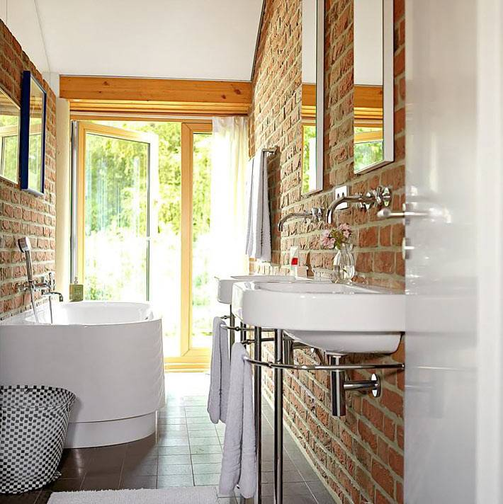 кирпичные стены в интерьере ванной фото