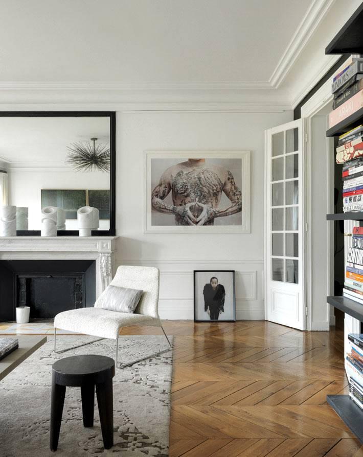 Предметы искусства в дизайне интерьера квартиры в Париже