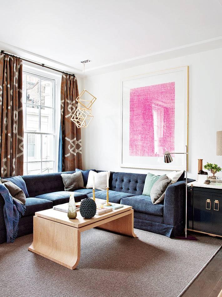 простой и элегантный интерьер гостиной комнаты
