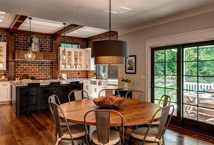 Кирпичная плитка в интерьере кухни