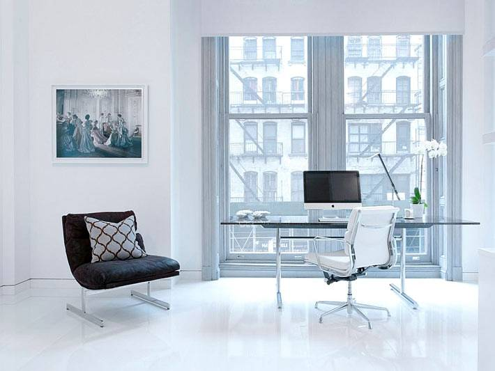 идеально белый рабочий кабинет фото