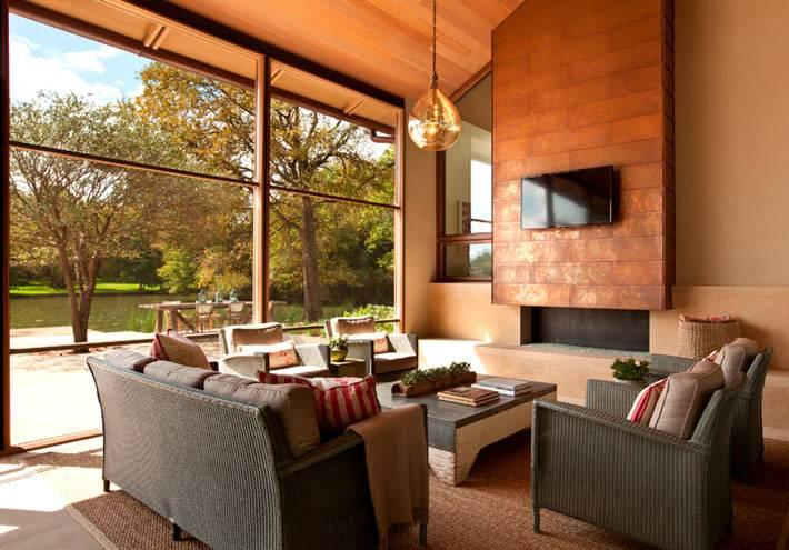 дизайн гостиной комнаты с панорамным окном фото