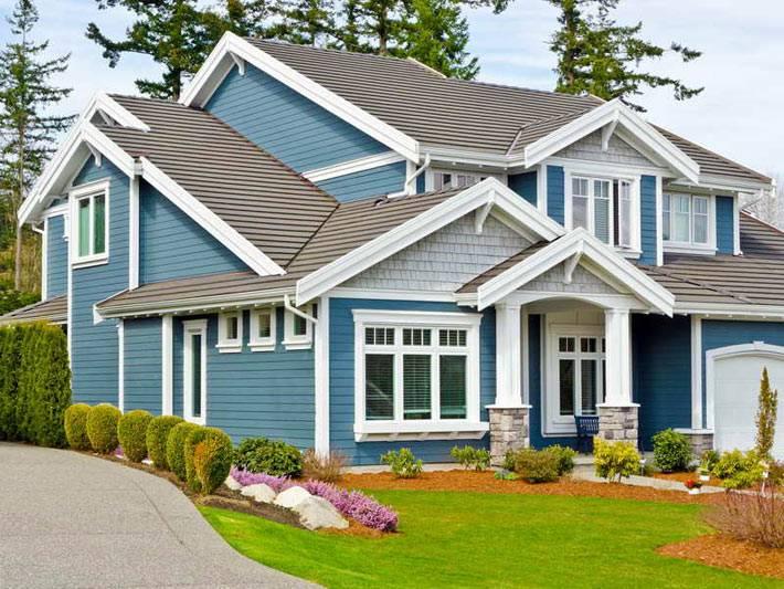 красивый синий фасад дома
