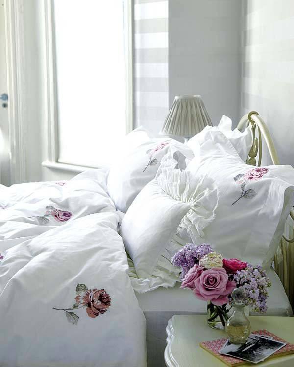 красивое постельное белье для романтической спальни