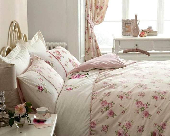пастельные тона в интерьере спальни в стиле шебби-шик фото