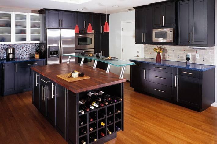 черный цвет в интерьере кухни фото
