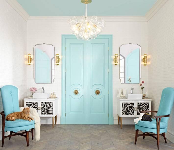 красивый бирюзовый цвет в дизайне ванной комнаты