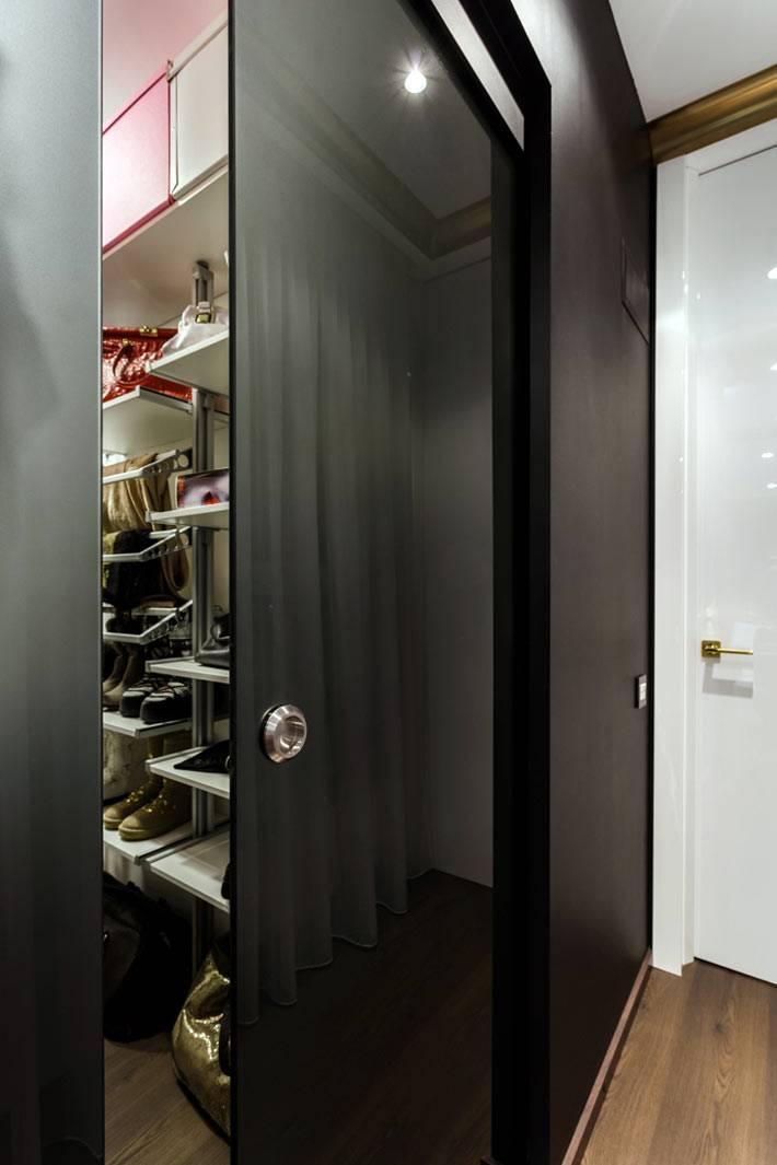 гардеробная комната в интерьере квартиры фото