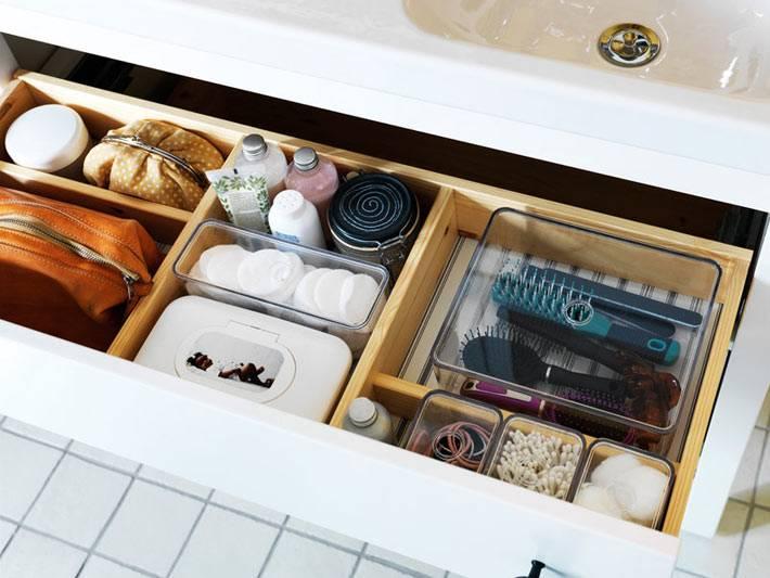 аккуратное хранение в ящиках ванной комнаты