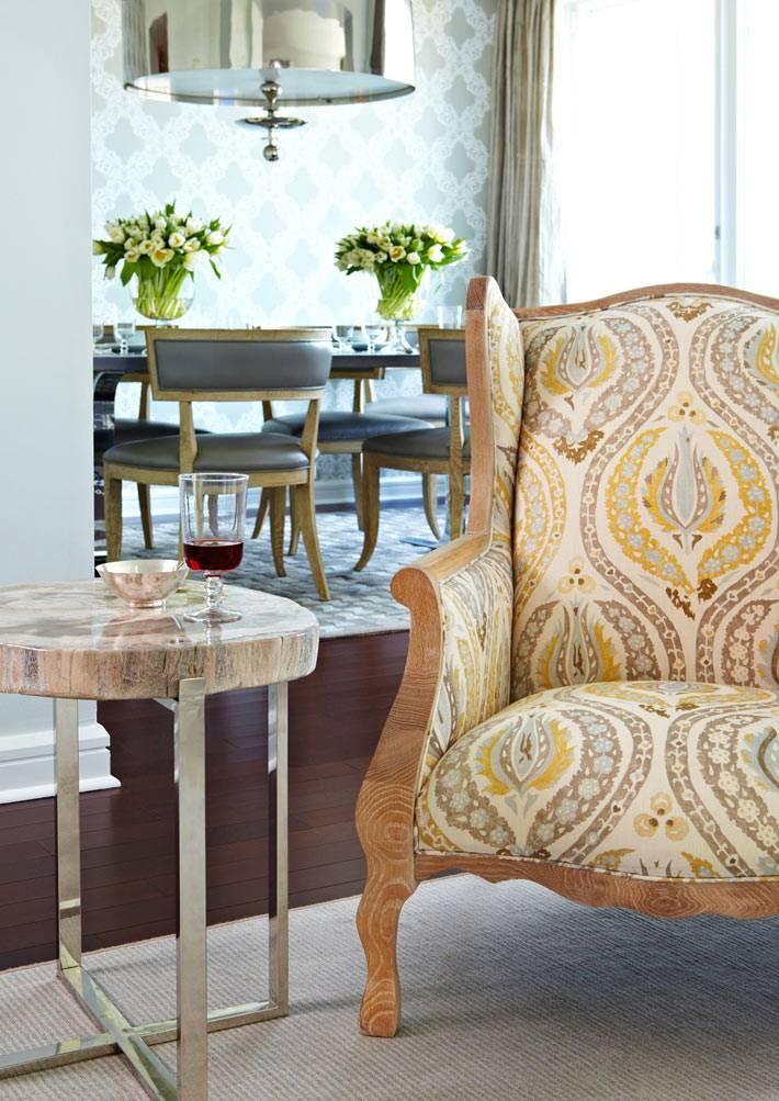 уникальная мебель в интерьере гостиной