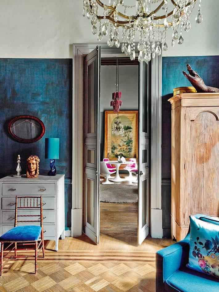 винтажная мебель в интерьере дома в Мехико