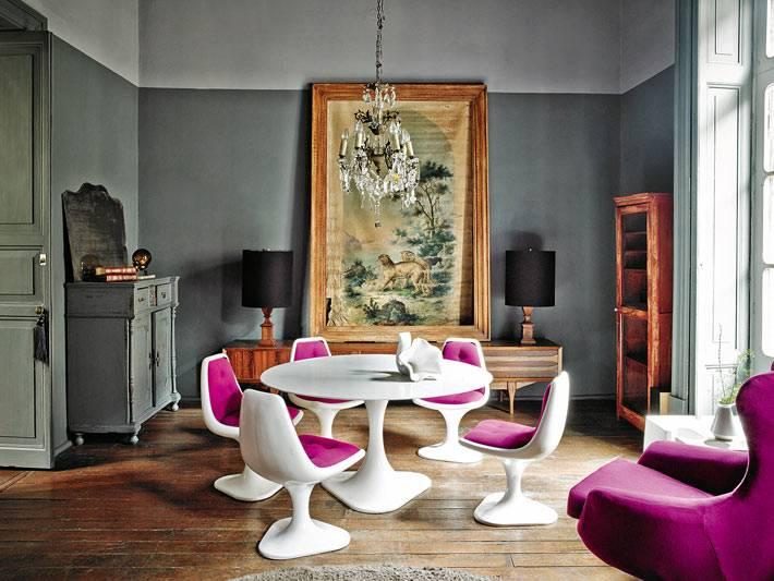 сочетание современной и винтажной мебели в интерьере