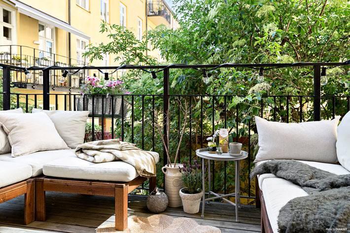 уютный открытый балкон фото
