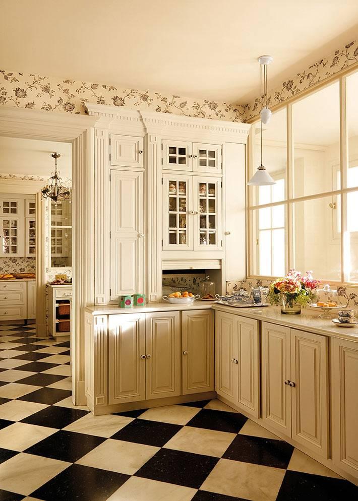 шахматный пол в интерьере кухни фото