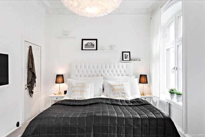 красивый дизайн интерьера спальни в белом цвете