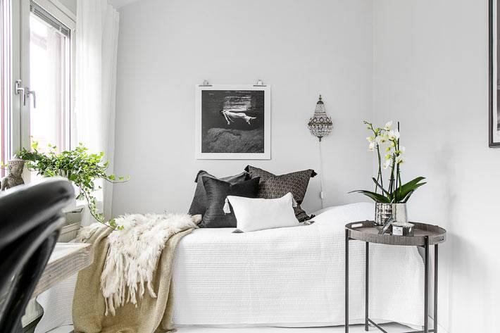белый цвет в интерьере гостевой спальни