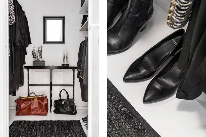 черно-белый дизайн гардеробной комнаты фото