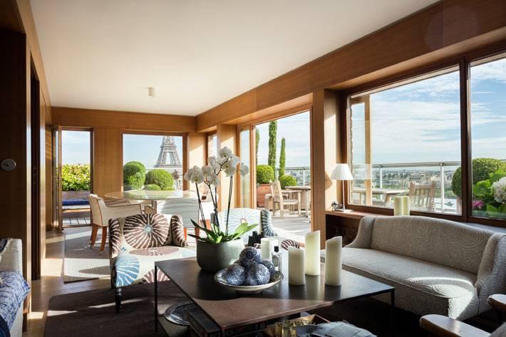 интерьер квартиры в Париже с панорамными окнами