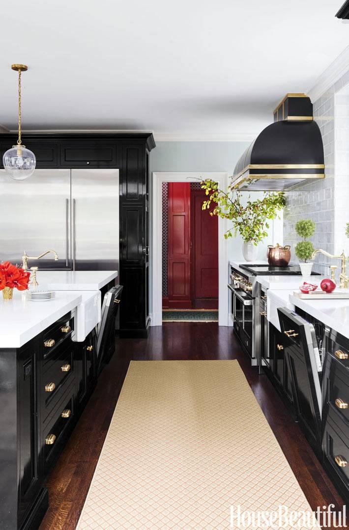 черно-белое сочетание цветов в интерьере кухни