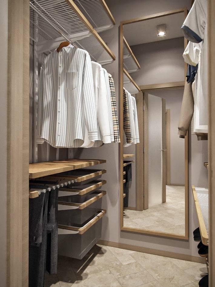 сделать гардеробную комнату из кладовки фото