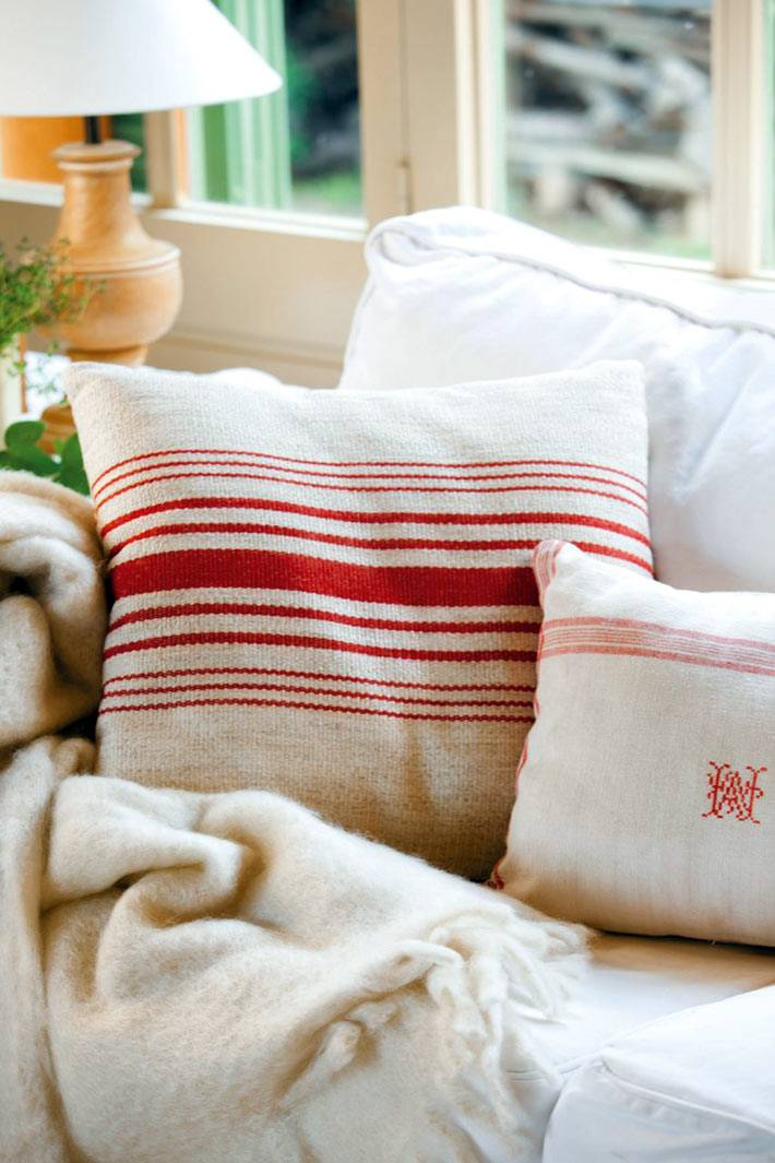 уютные диванные подушки фото