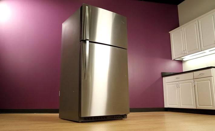холодильник с корпусом из нержавеющей стали Whirlpool фото