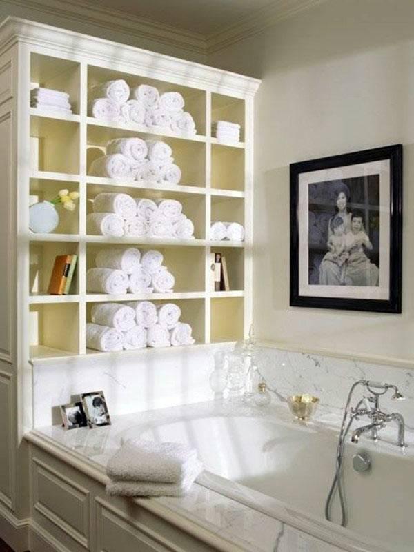 полка над ванной для хранения полотенец фото