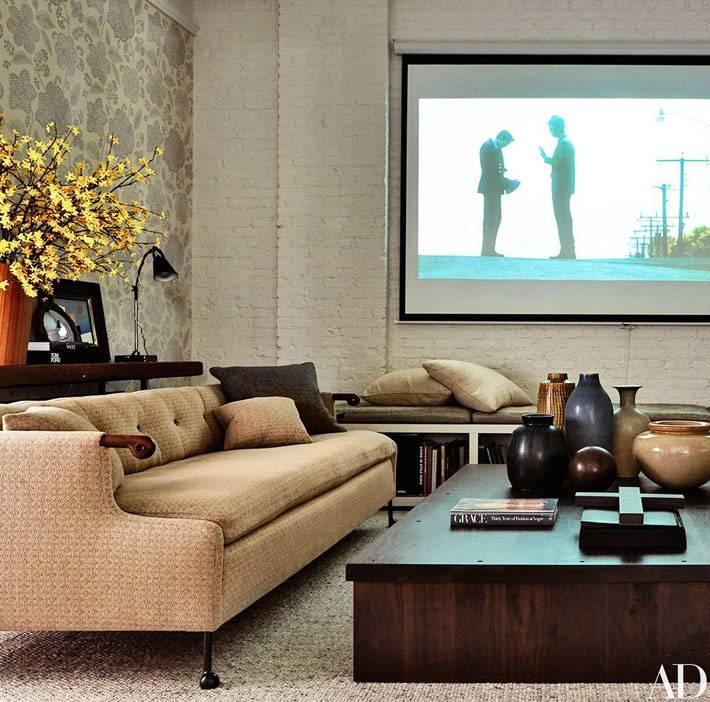 Комната в доме для просмотра кинофильмов фото
