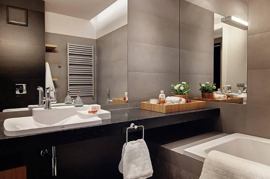 Графитовый серый оттенок на стенах ванной комнаты фото