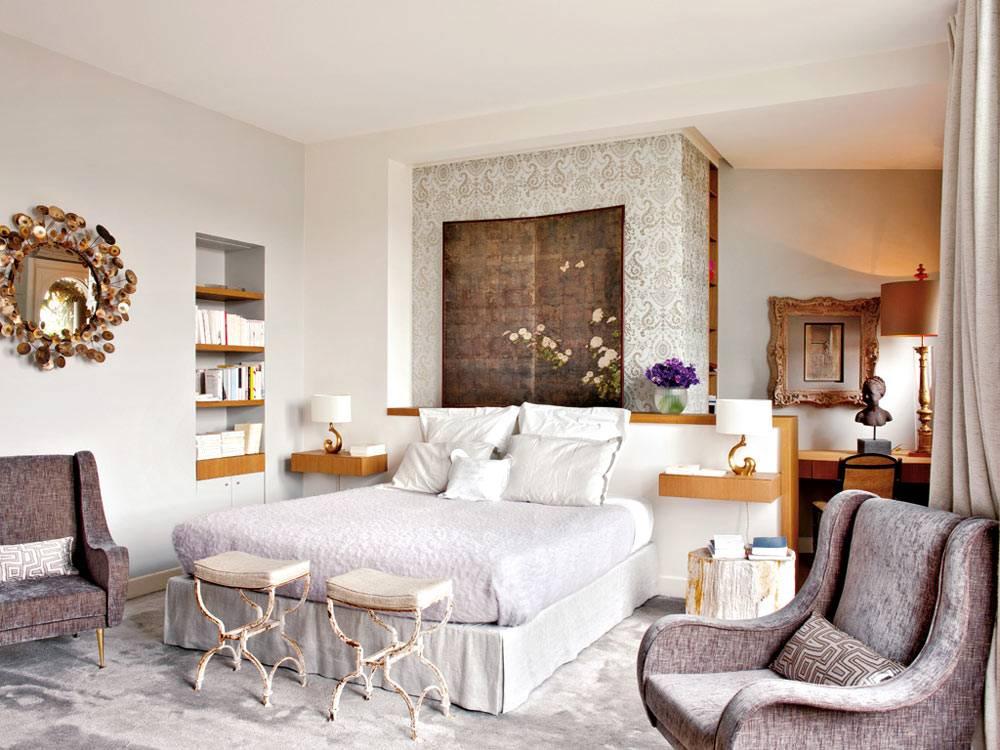 дизайн спальни в Париже со старинной мебелью