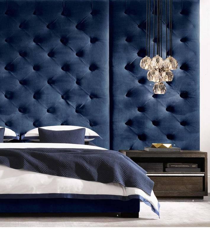 мягкая оббивка на стене спальни - новый тренд