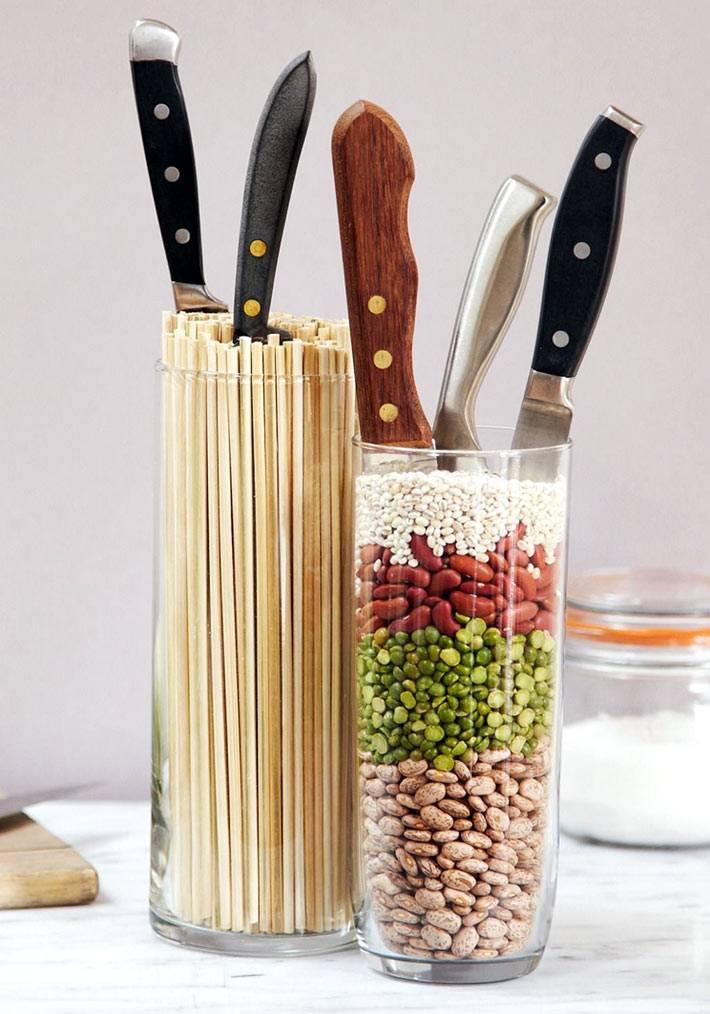 Удобное хранение ножей в банках с вермишелью или фасолью фото