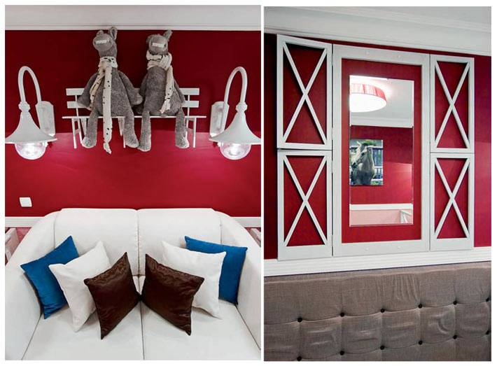 контрастный белый декор на красной стене