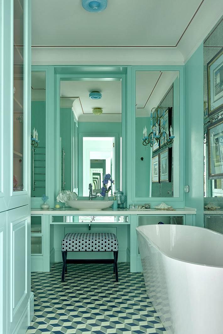 Бирюзовый дизайн ванной комнаты с зеркалами фото