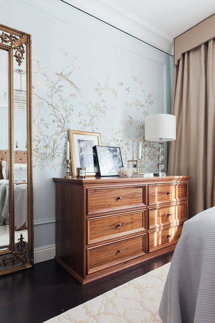 роспись на стене спальной комнаты фото