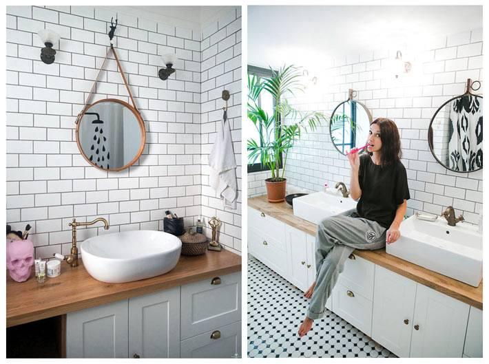 Белая плитка и деревянные аксессуары в дизайне ванной комнаты