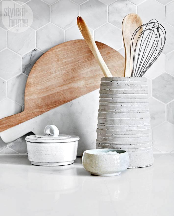 Мраморный кухонный фартук с плиткой шестиуголной формы