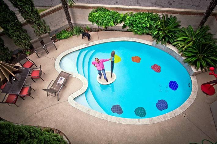 летний бассейн в форме палитры фото