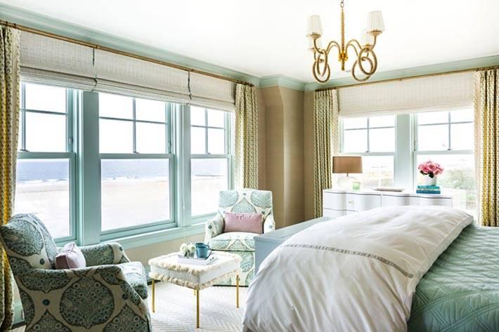 окна спальни выходят на море фото